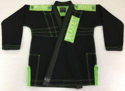Kimono preto com costura verde